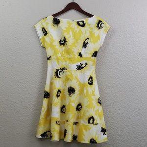 Kate Spade Sunny Daisy Dress size 2